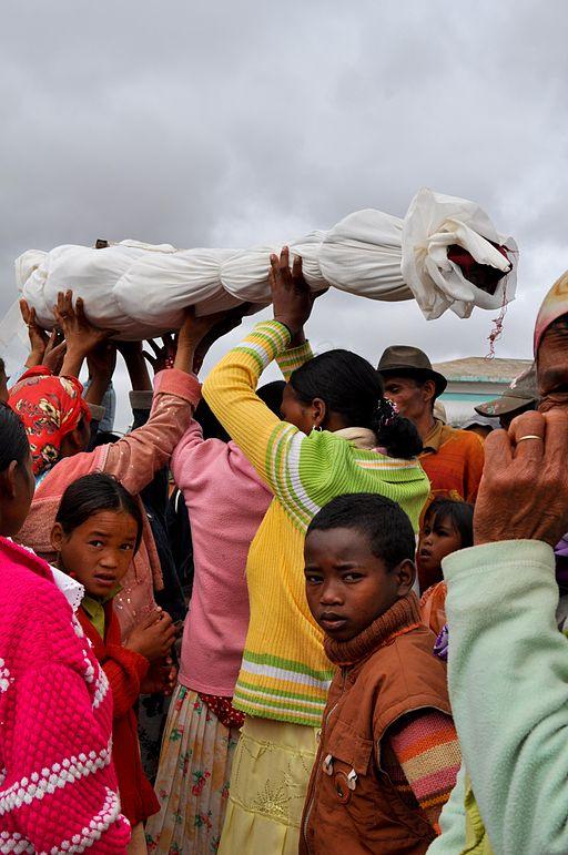 Famadihana reburial turning of the bones in Madagascar (Wikimedia Commons/Hery Zo Rakotondramanana)